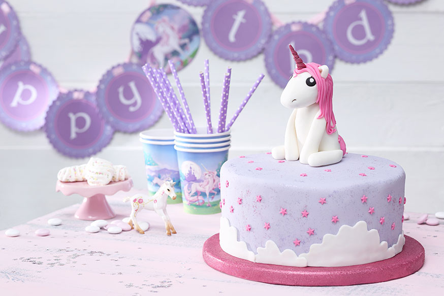 Geburtstagstorte 2 Jahre  Einhorn Geburtstag Kuchen kindergeburtstagtorte