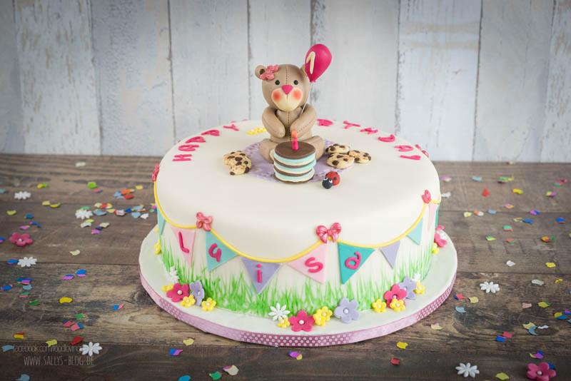 Geburtstagstorte 2 Jahre  Sallys Rezepte Kinder Geburtstagstorte mit Teddy