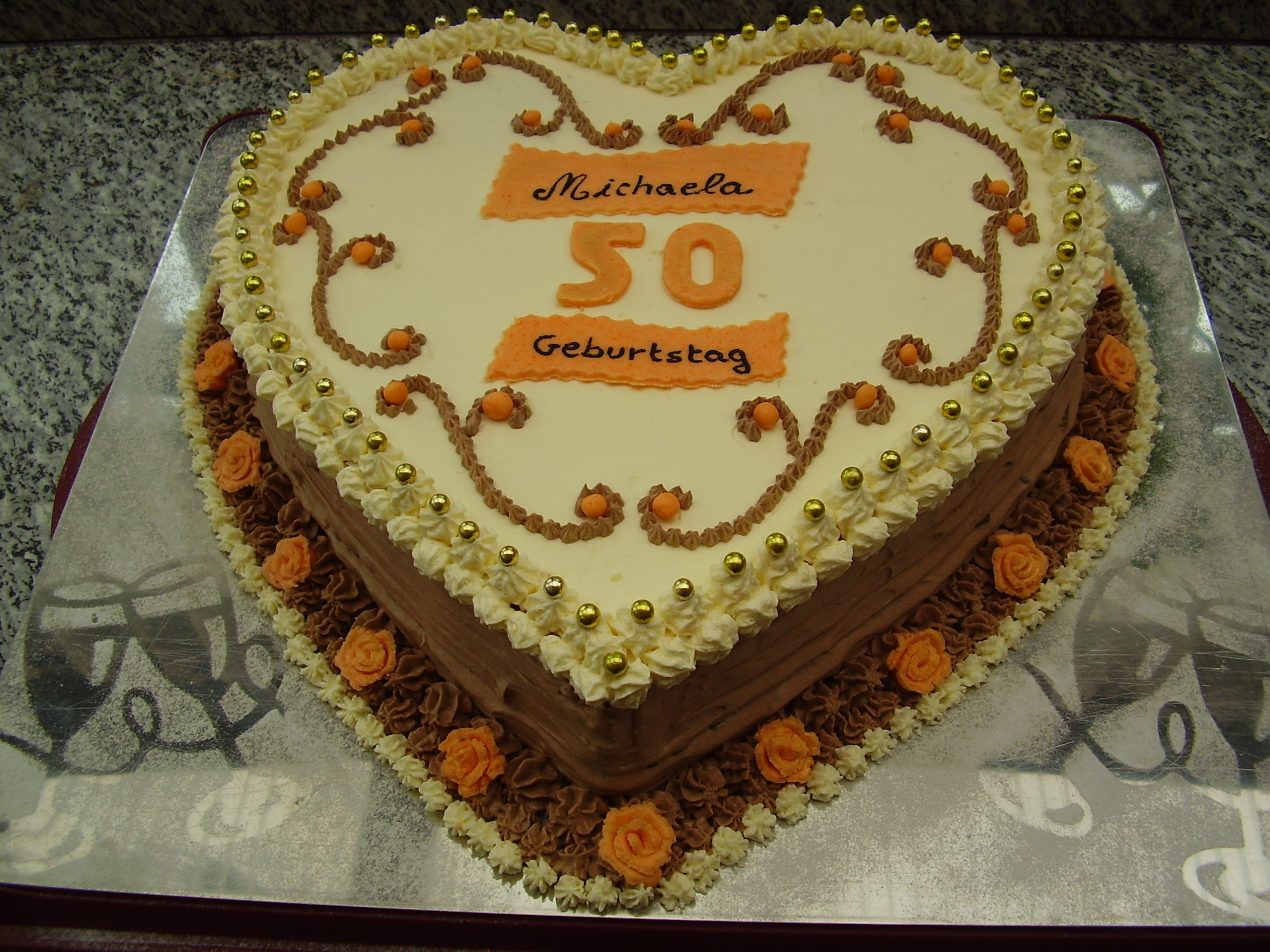 Geburtstagstorte 50 Geburtstag  Geburtstag Erwachsene Geburtstagstorte zum 50 in Herzform