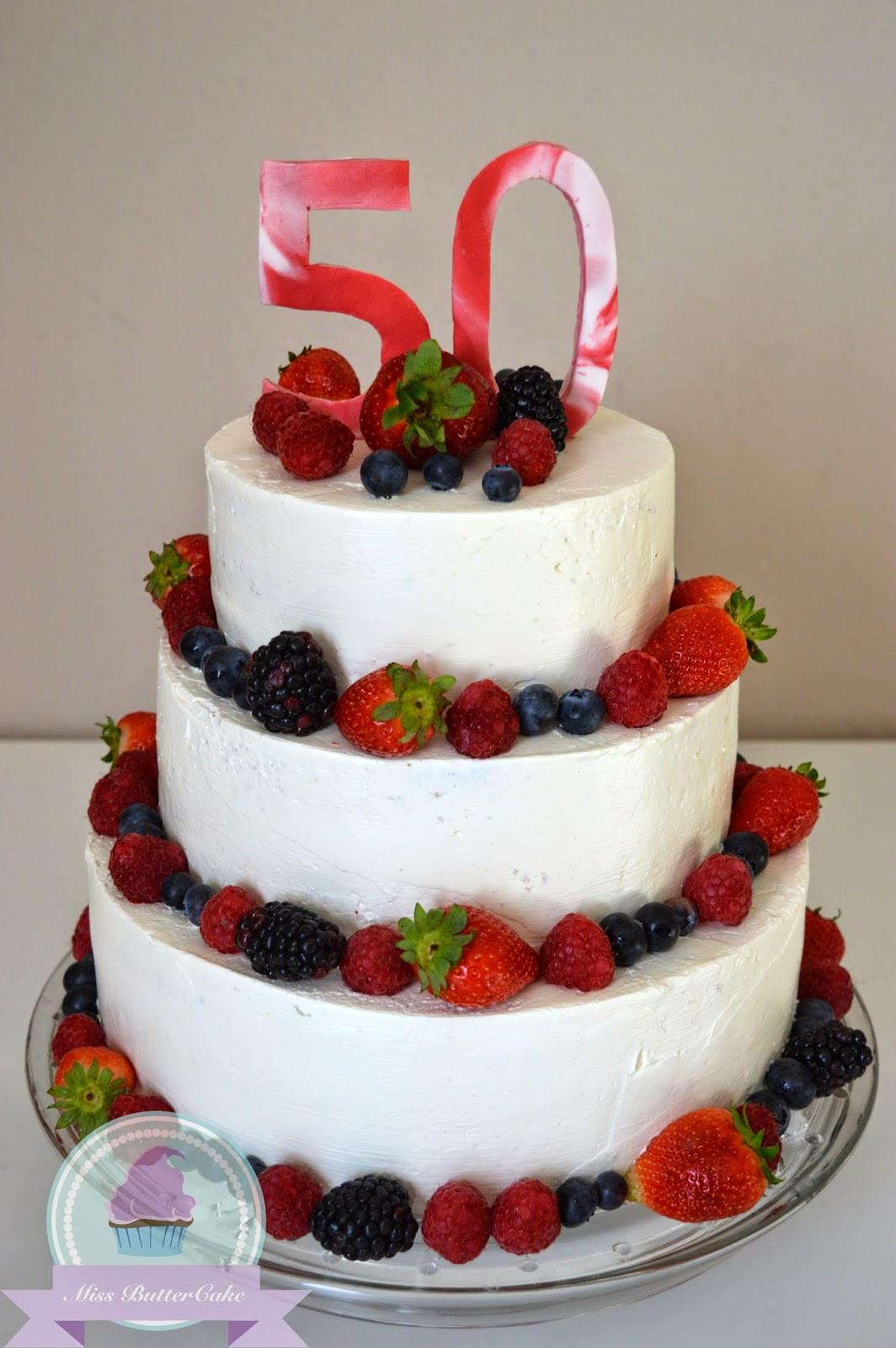 Geburtstagstorte 50 Geburtstag  Miss ButterCake 3 Stöckige Torte mit Beeren Deko