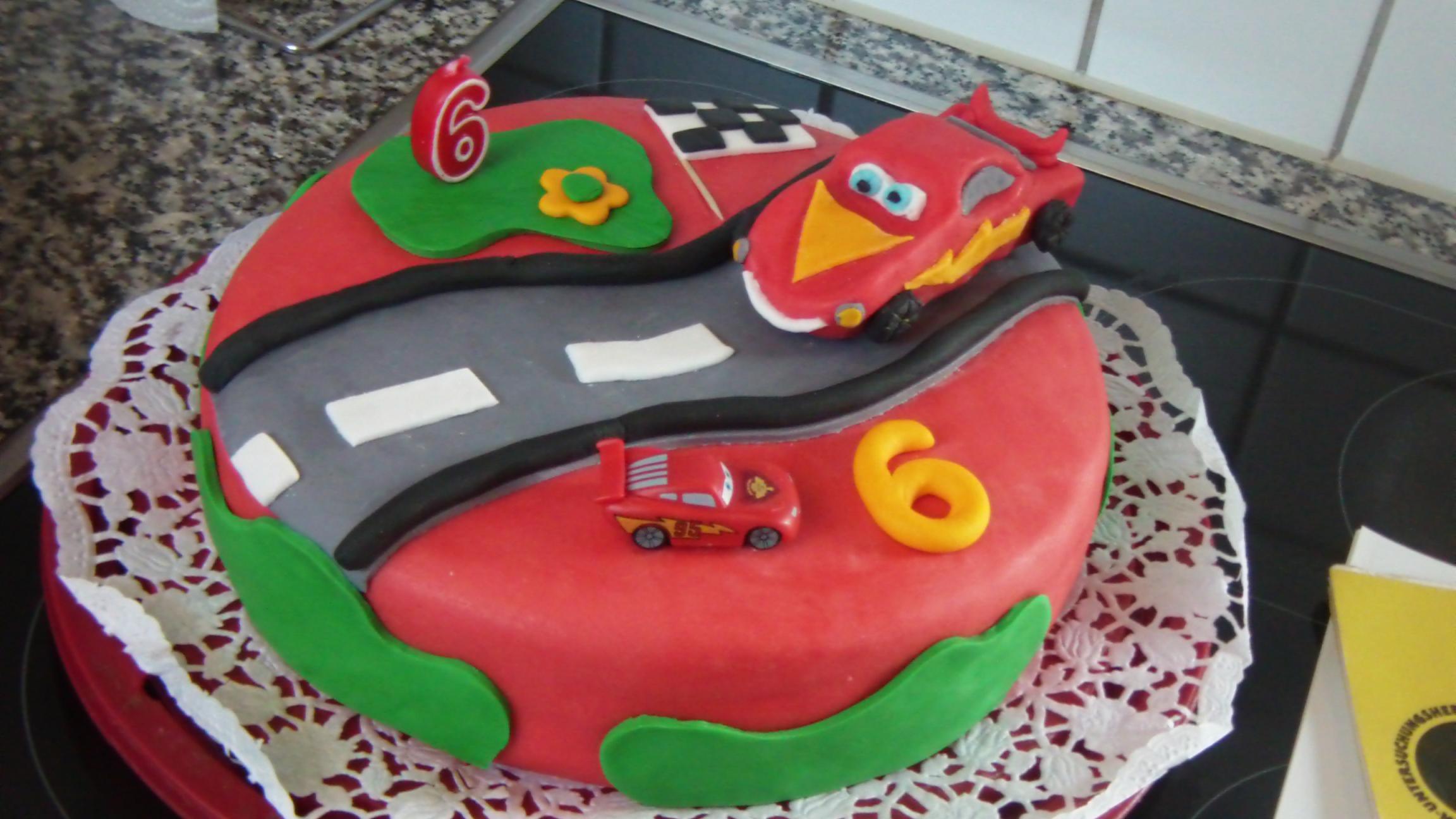 Geburtstagstorte Auto  Tortix Auto Geburtstagstorte 2 stöckig Geburtstagstorten