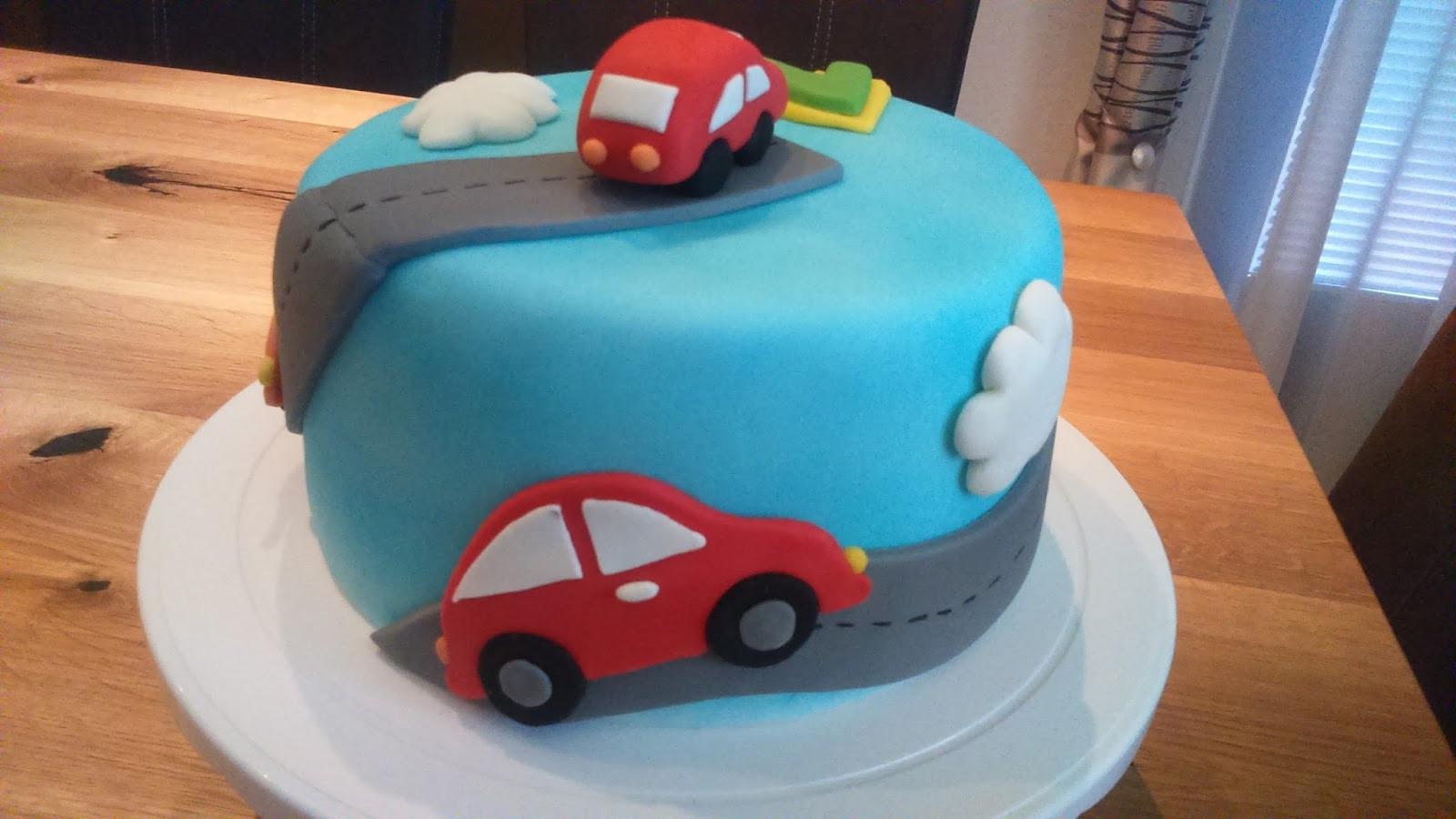 Geburtstagstorte Auto  Kaccy s Lounge Eine feine Geburtstagstorte zum 2 Geburtstag