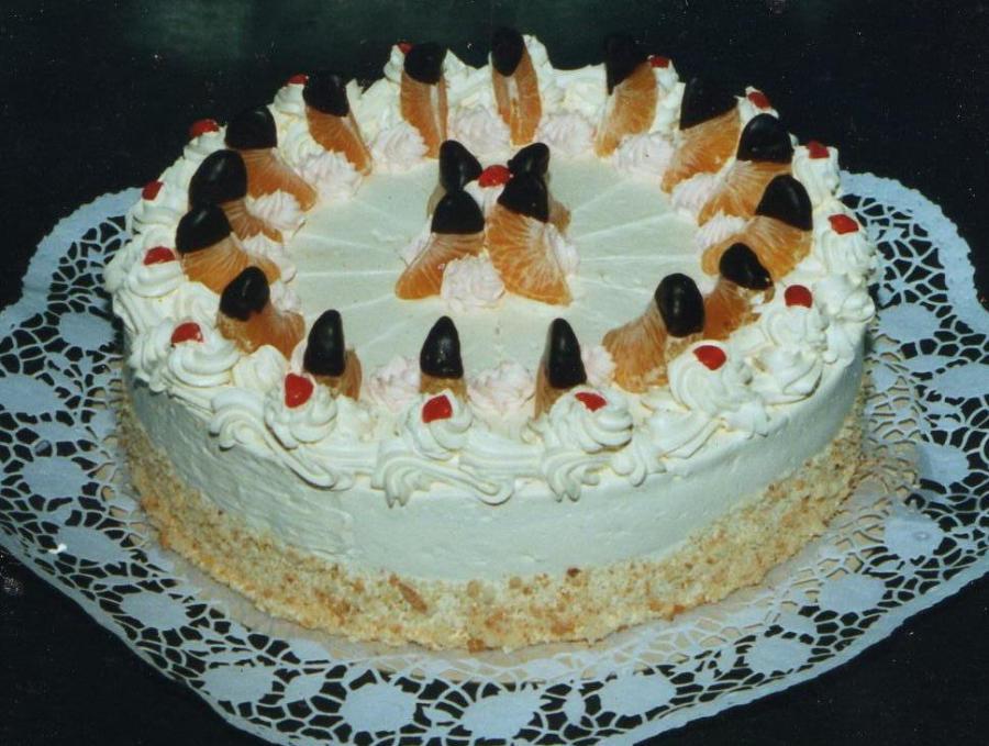 Geburtstagstorte Bestellen Hamburg  Torten Lieferservice Buttercreme Torte online bestellen