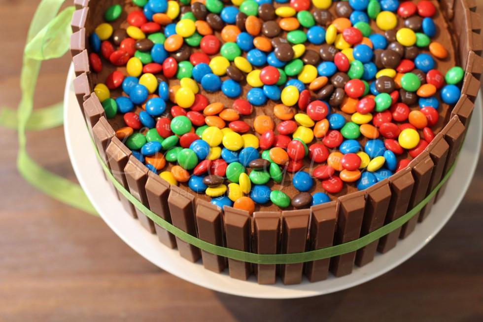 Geburtstagstorte Kind  Eine kunterbunte Geburtstagstorte • Kinderglück Der