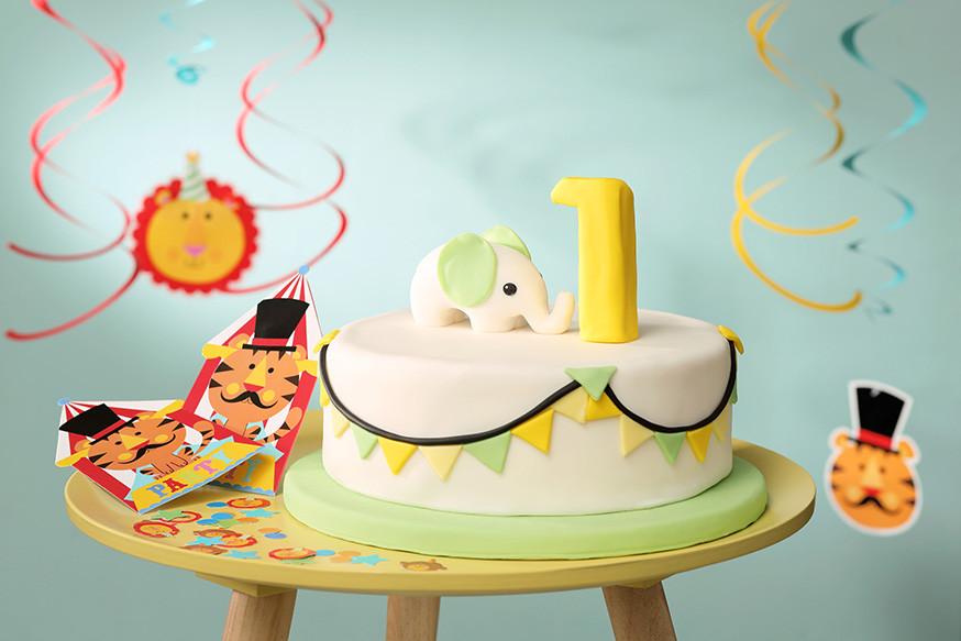 Geburtstagstorte Zum 1 Geburtstag  Kuchenrezept für den 1 Geburtstag