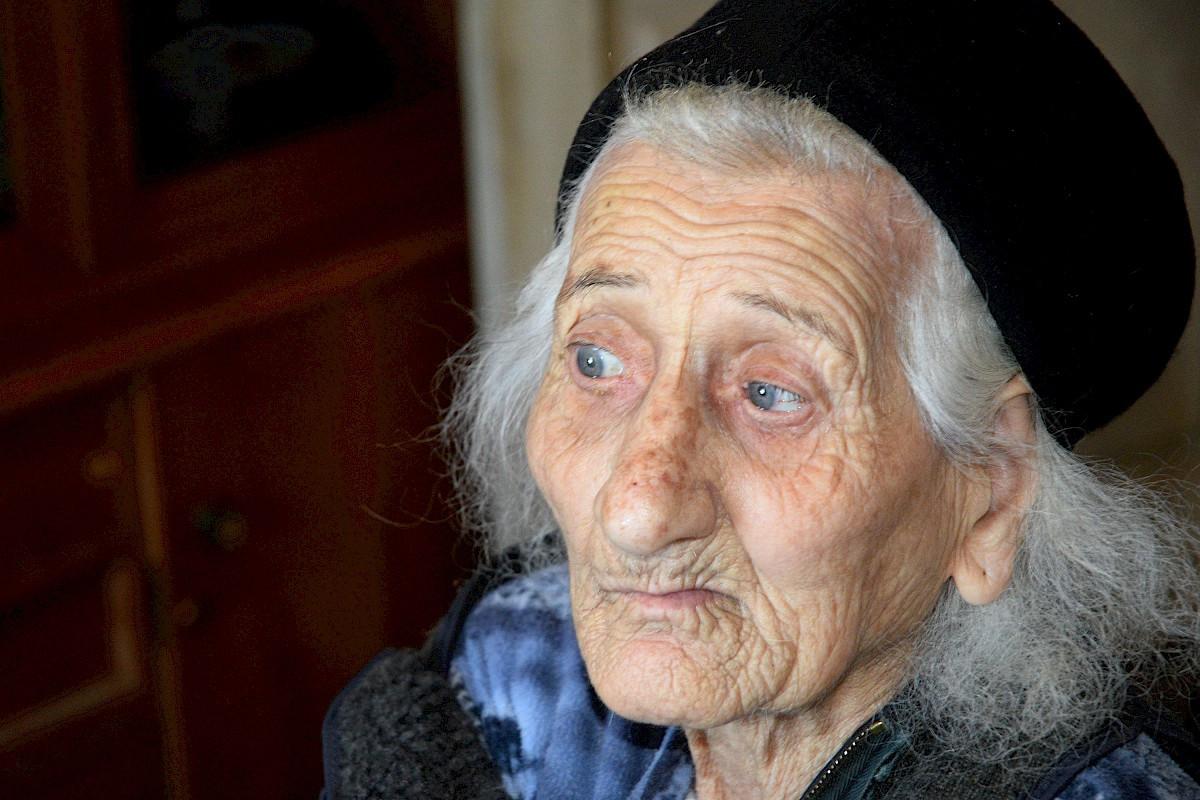 Geburtstagswünsche Für Alte Kranke Menschen  Hilfe für alte und kranke Menschen in Armenien