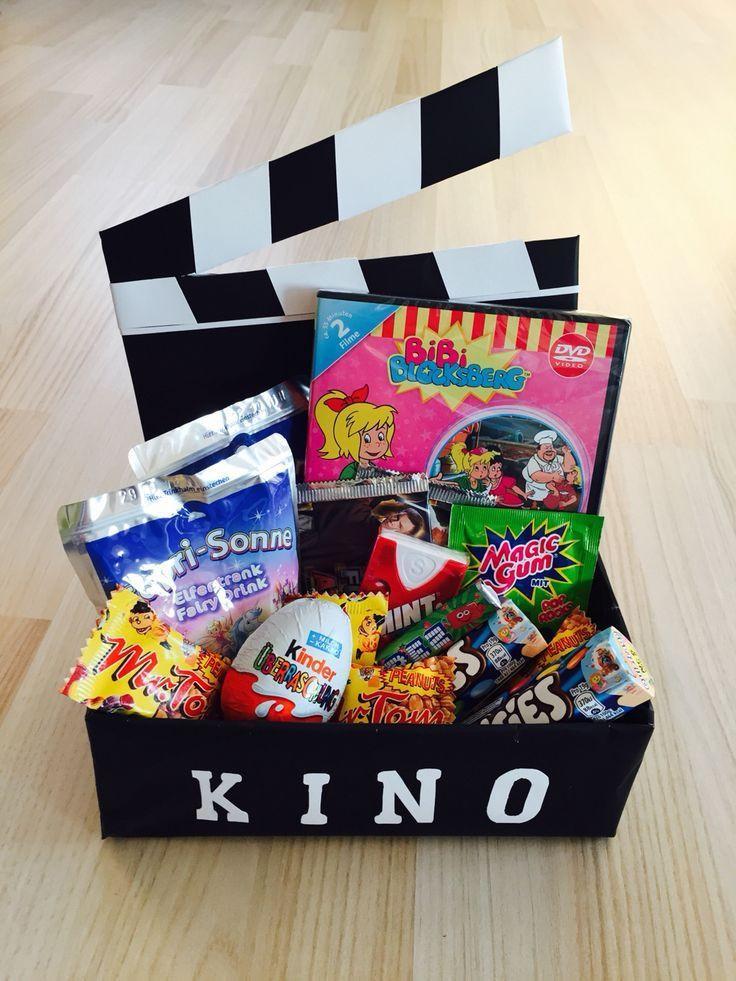Geschenke Für Psychologen  Kinogutschein in einer Schachtel als Geschenk kino
