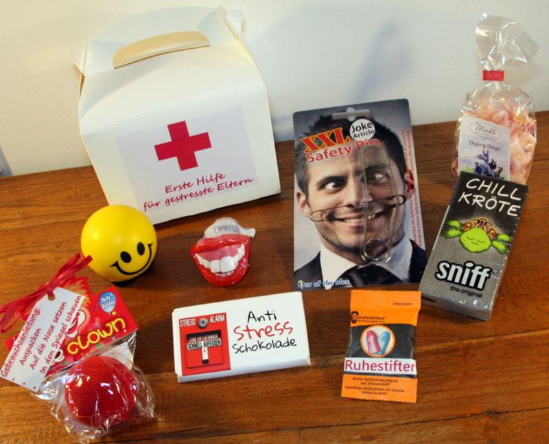 """Geschenke Für Werdende Eltern  Geschenk Geburt """"Erste Hilfe für gestresste Eltern"""" Baby"""