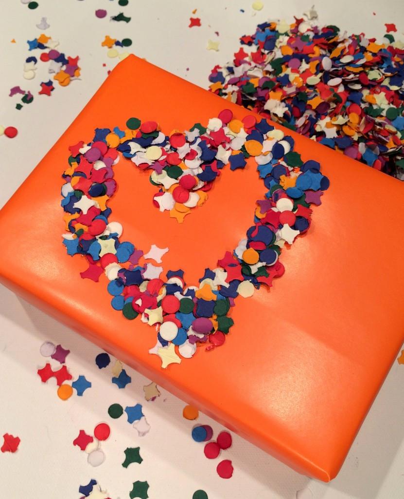 Geschenke Hübsch Verpacken  DIY Geschenke hübsch verpacken mit Konfetti Confetti