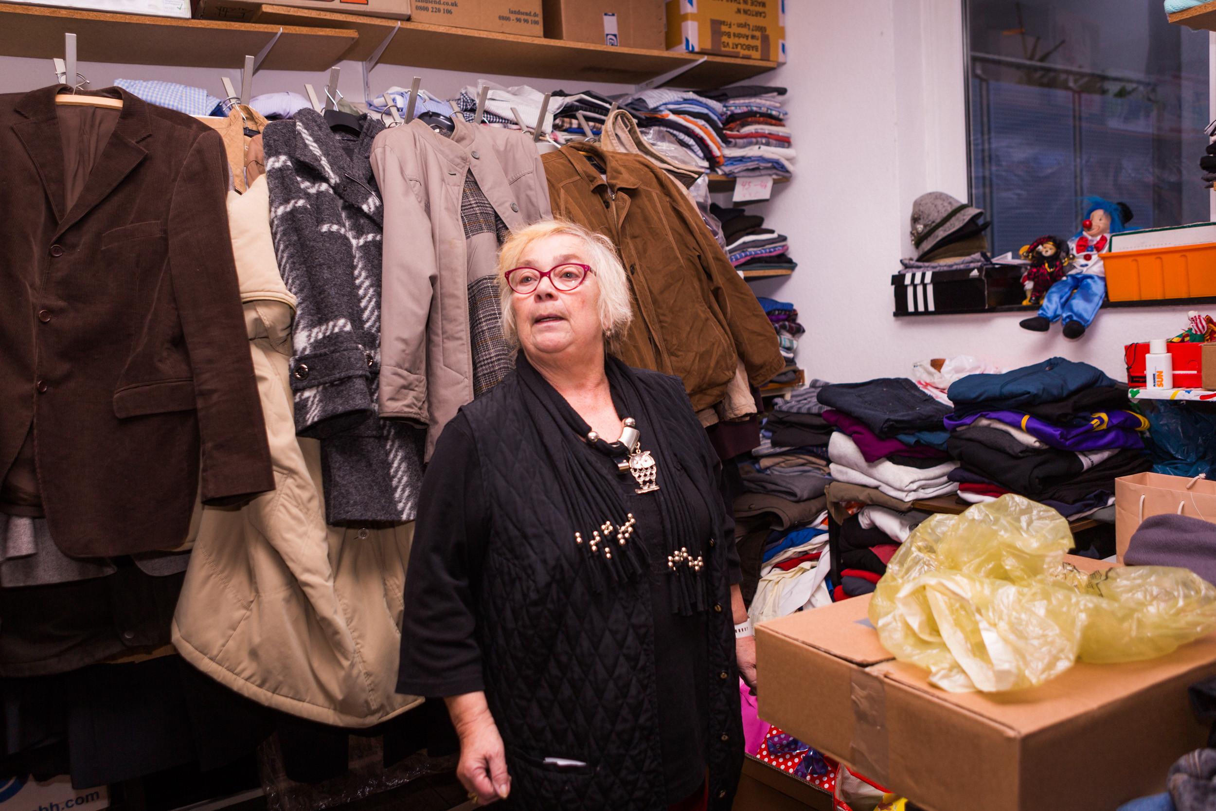 Geschenke Köln  Geschenke und Kleider für Niehl