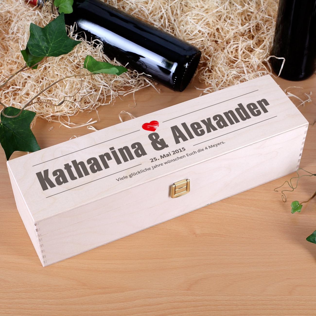 Geschenke Online  Weinverpackung Holzbox zur Hochzeit mit Namen Datum und