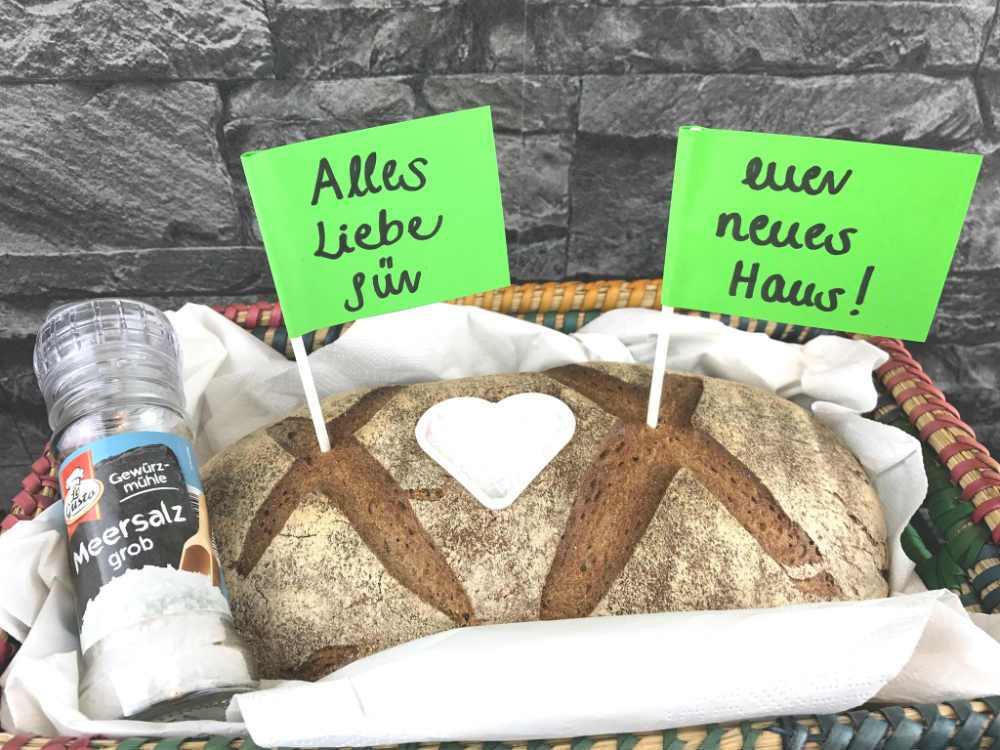 Geschenke Zum Einzug Ins Haus  Brot und Salz zum Einzug schenken ☘ Die besten Ideen