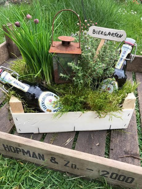 """Geschenkideen Garten  """"Manine Makes"""" Ein Biergarten als Geldgeschenk"""