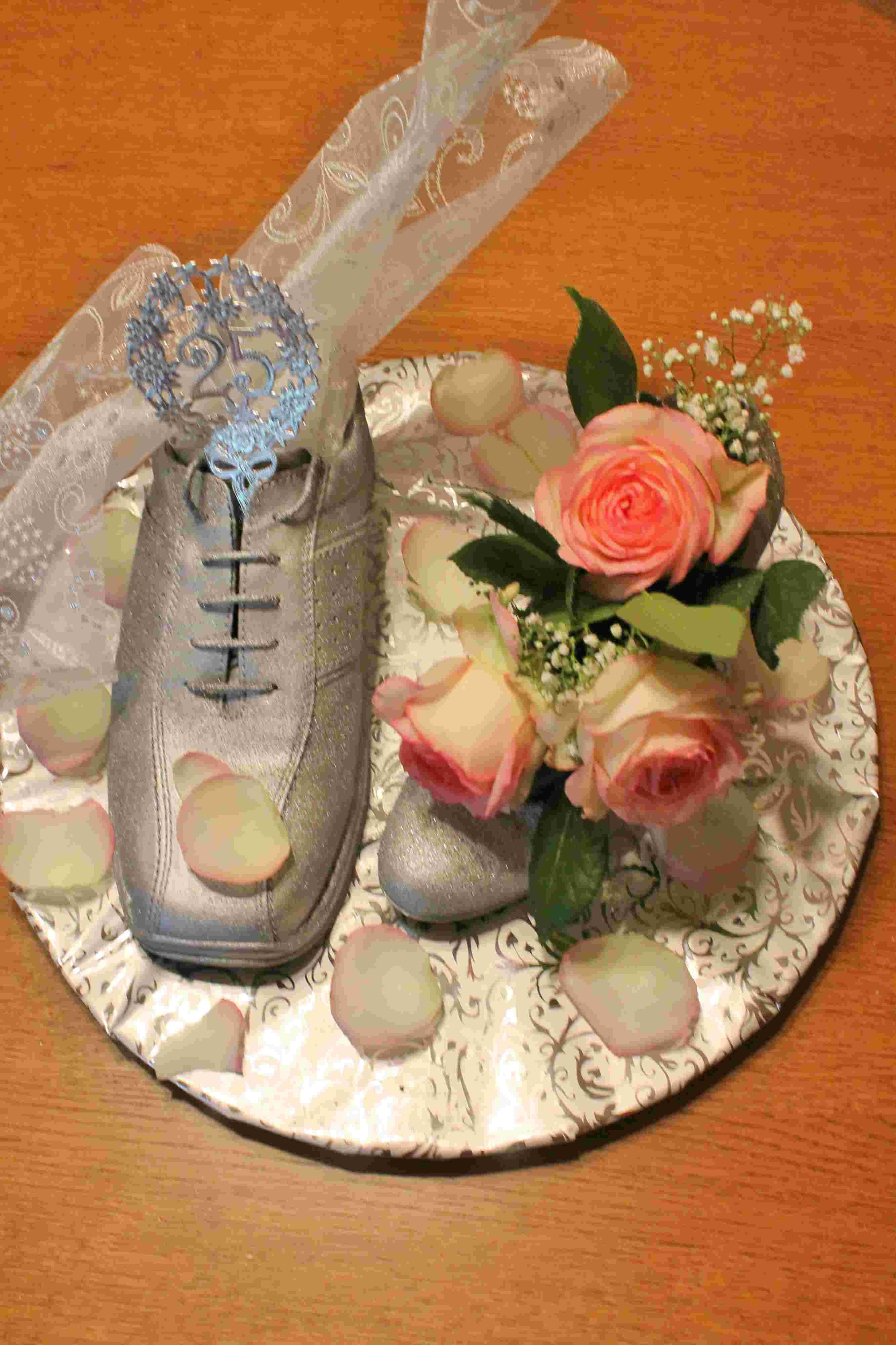 Geschenkideen Silberhochzeit Freunde  Selbst gemacht ein Geschenk zur Silberhochzeit Elas