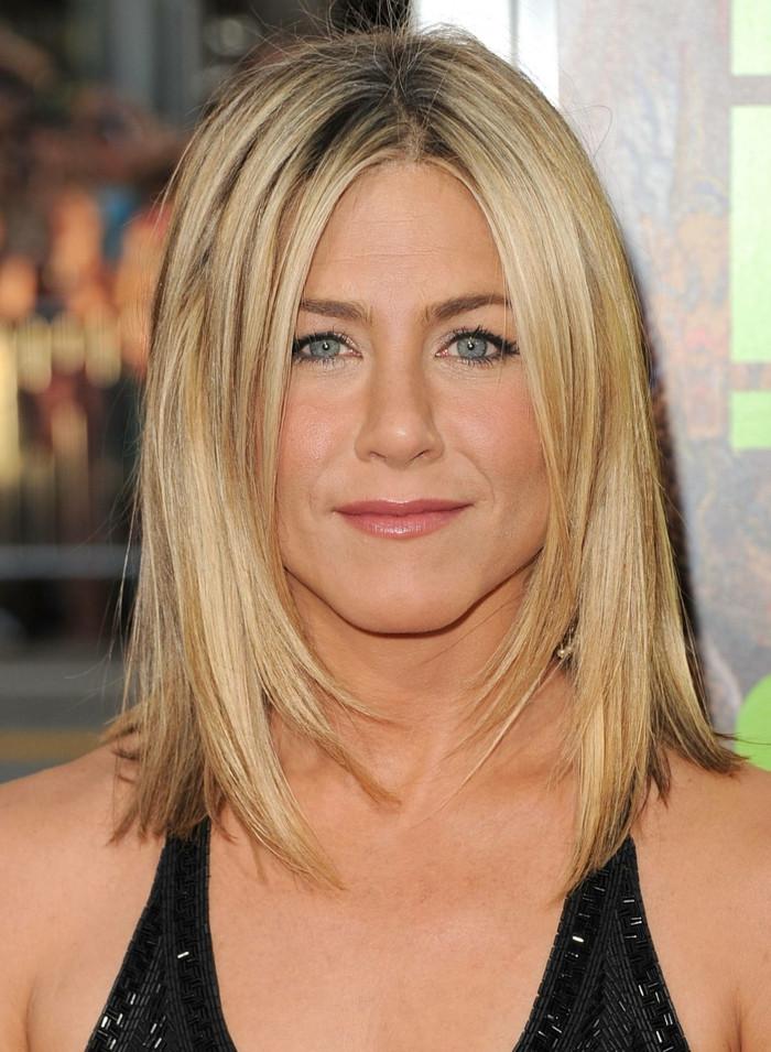 Haarschnitt Schulterlang Stufig  Schulterlange Frisuren Die perfekte Länge für das