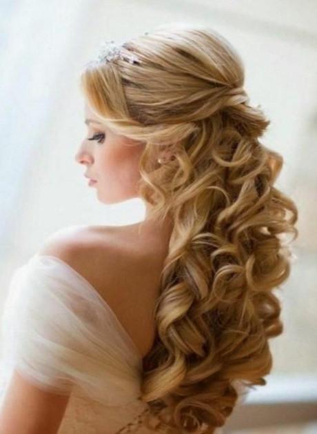 Halboffene Frisuren  Halboffene frisuren hochzeit