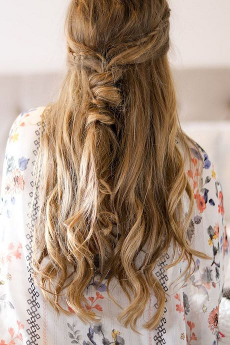 Halboffene Frisuren Festlich  Halboffene frisuren mit locken