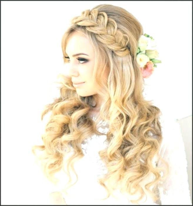Halboffene Frisuren  wiesn frisuren lange haare halboffen flechtfrisuren blumen