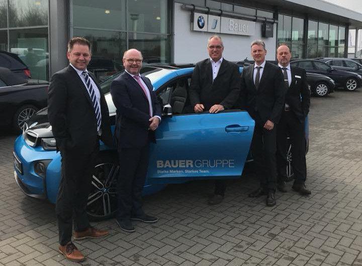 Handwerk Nordfriesland  BMW Bauer in Husum spendet ein Elektrofahrzeug