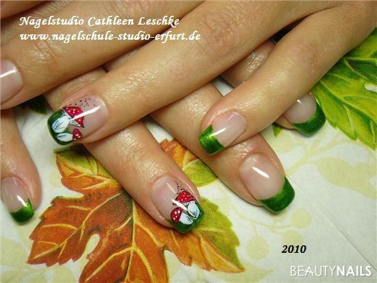 Herbstliches Nageldesign  Herbstliches Nageldesign