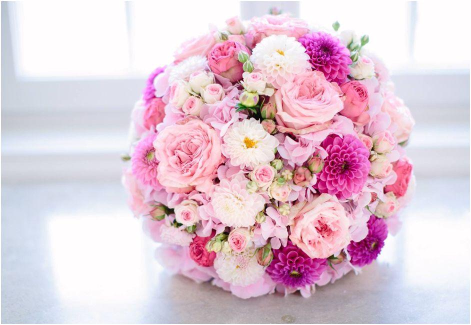Hortensien Brautstrauß  Brautstrauß Dahlien Hortensien Rosen rose weiß pinke