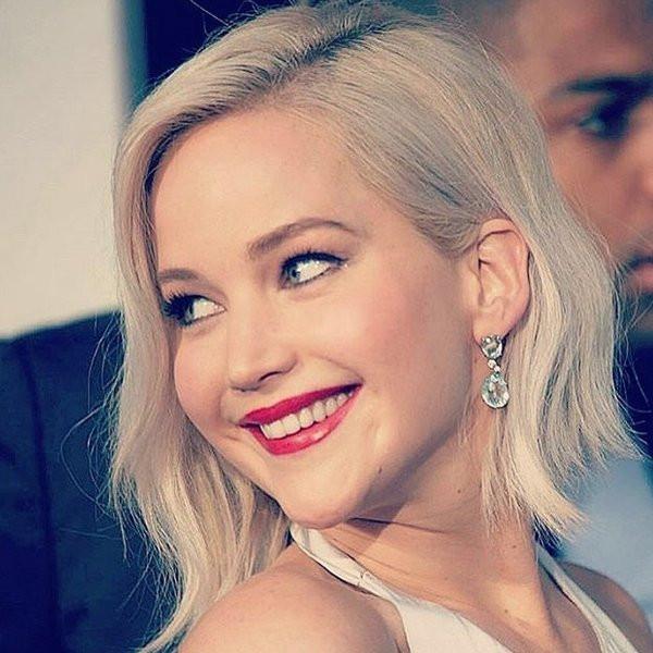 Jennifer Lawrence Frisuren  Frisur von Jennifer Lawrence schön gewellt