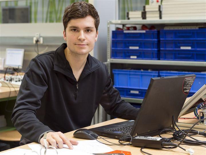 Jobbörse Handwerk  Tagesablauf Elektroniker in Automatisierungstechnik
