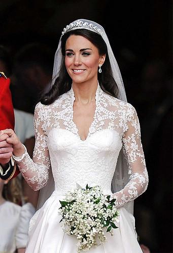 Kate Middleton Hochzeitskleid  Couture Events Buckingham Palace & Kate s Wedding Dress