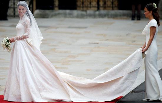 Kate Middleton Hochzeitskleid  Kate Middletons Hochzeitskleid im Buckingham Palast