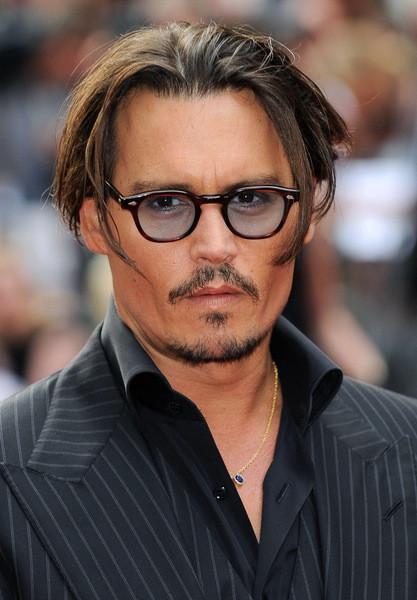 Kinnbart Frisuren  Frisuren mittellang wie Johnny Depp sie trägt