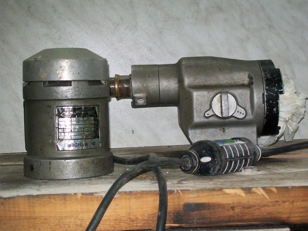 Konzessionsträger Im Handwerk  Ich verkaufe hier einen Bohrmotor für Kernbohrmaschinen