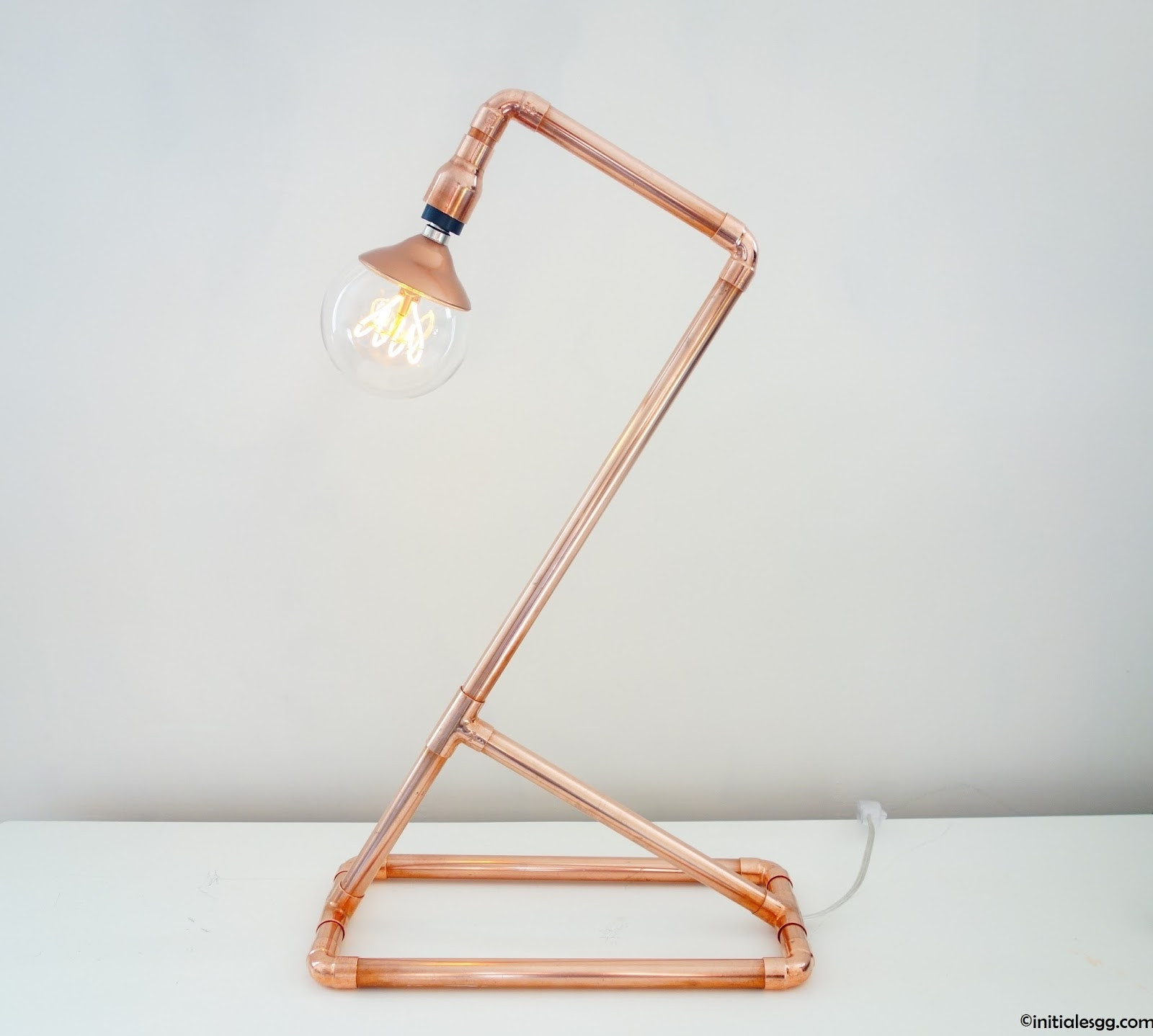 Lampe Diy  DIY Une lampe en cuivre so design Initiales GG