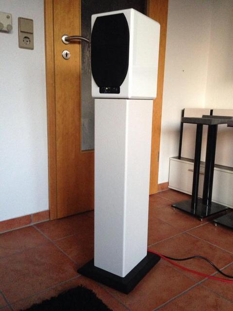 Lautsprecherständer Diy  Adam Audio Artist 5 aus DIY Lautsprecherständer