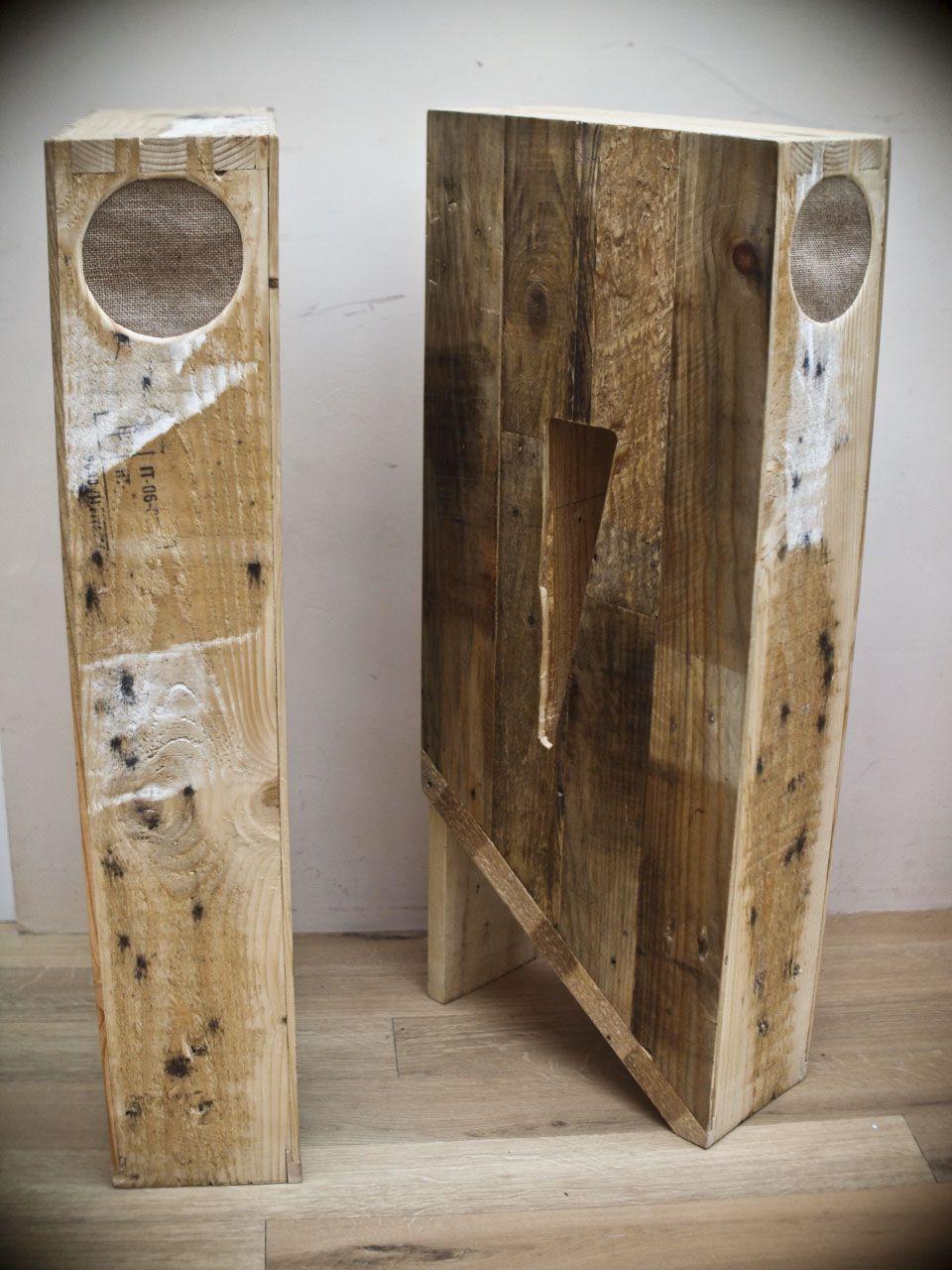 Lautsprecherständer Diy  Rustic Speakers Teardrop metal grill