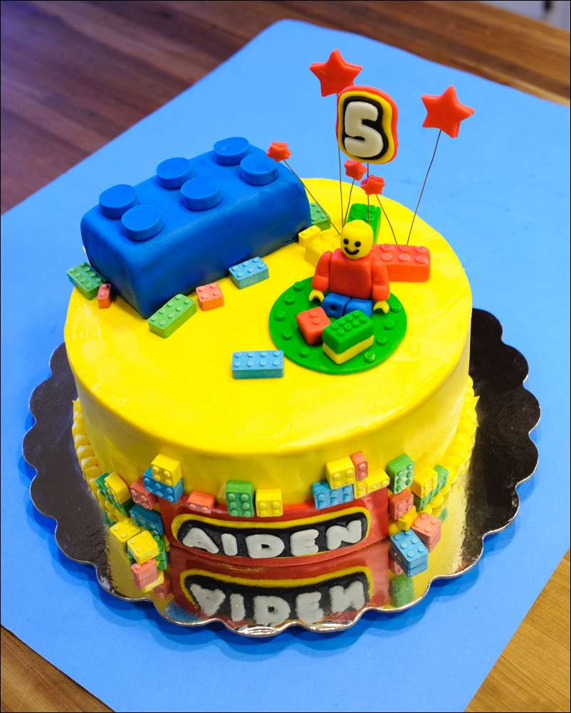 Lego Geburtstagstorte  Lego Fondant Brick Cake and Cookie Tutorial