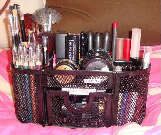 Make Up Organizer Diy  18 Great DIY Ideas to Organize Your Make ups