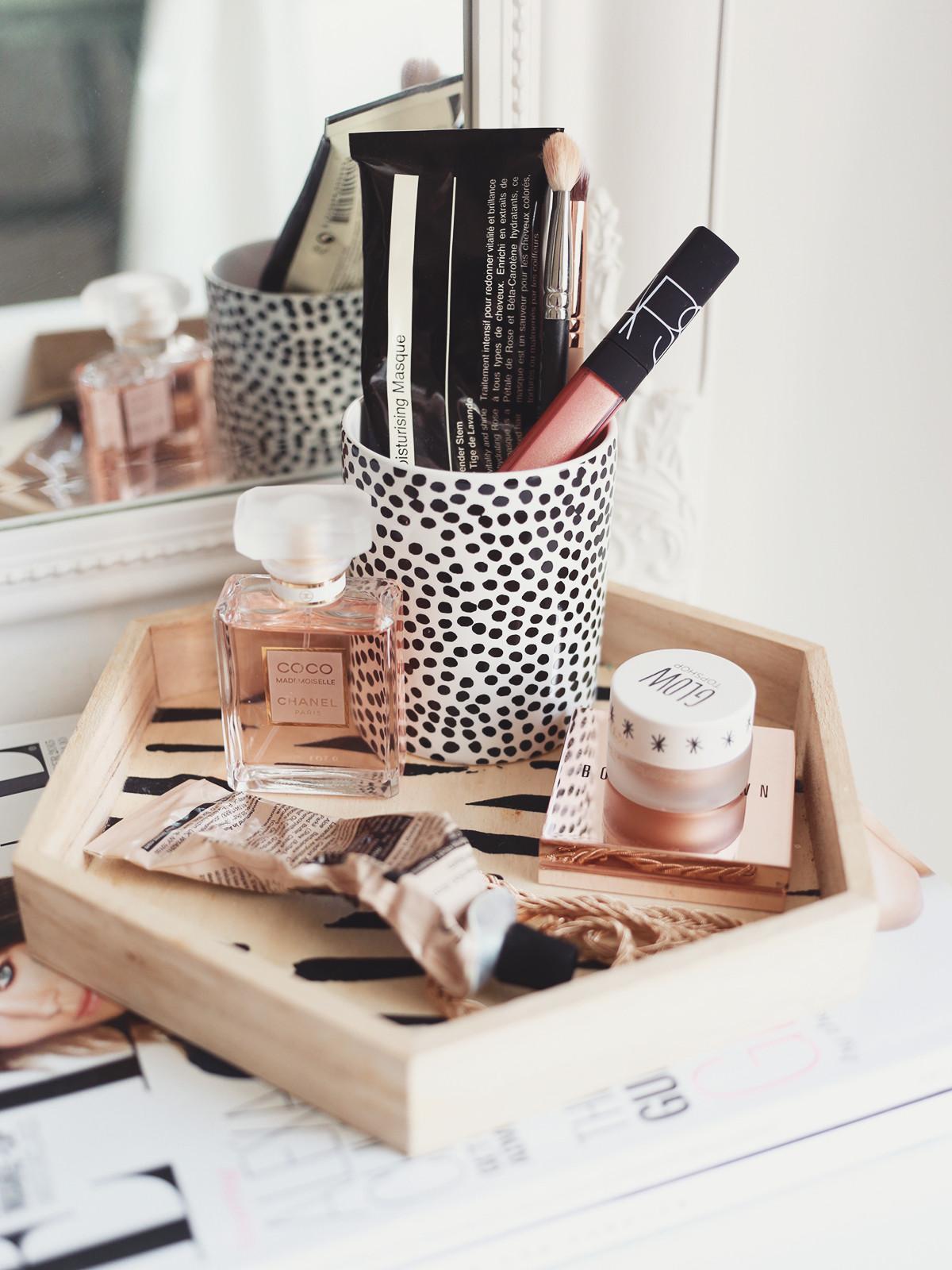 Make Up Organizer Diy  10 Easy DIY Makeup Organizer Ideas You'll Want to Copy
