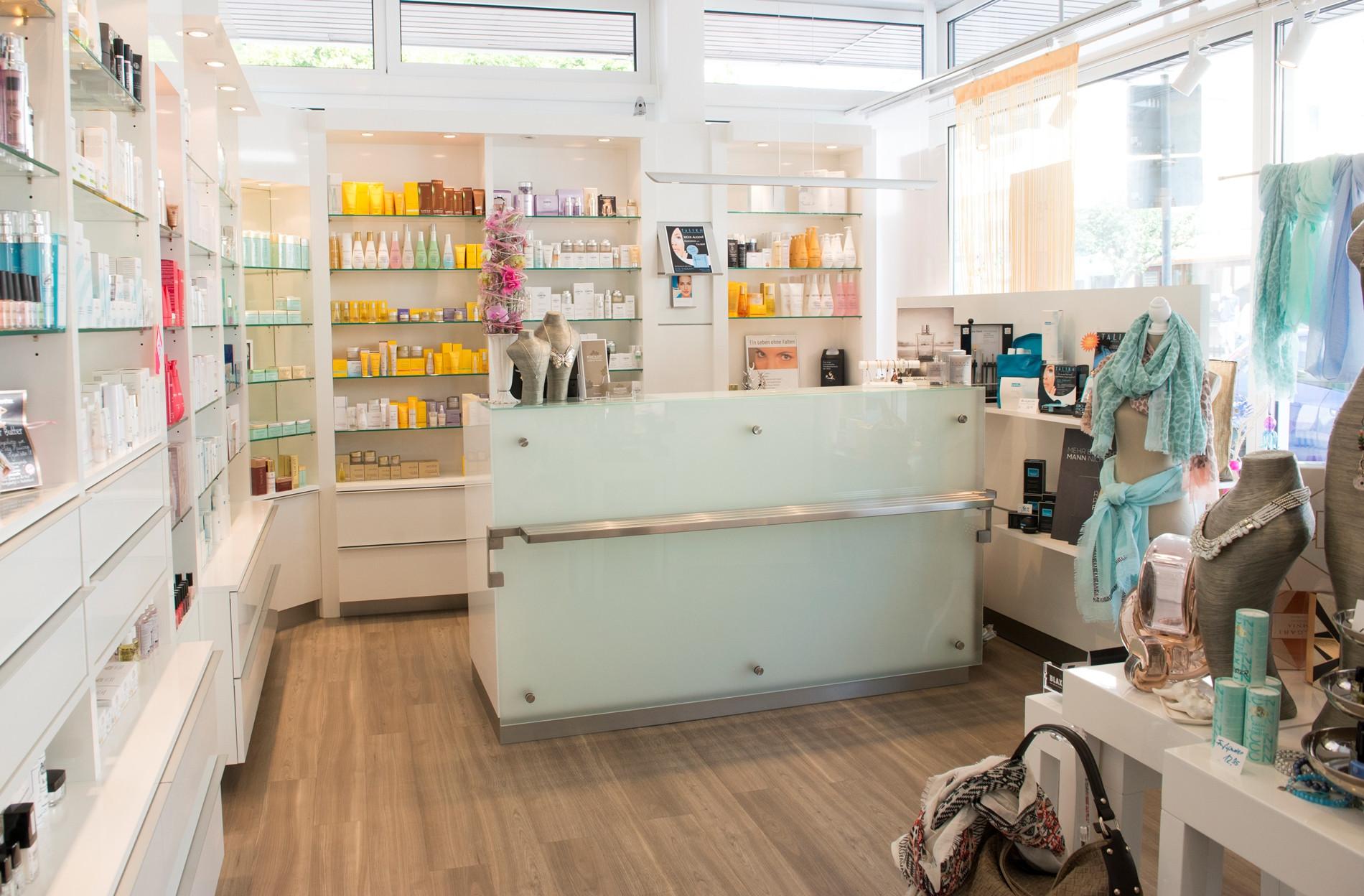 Maniküre Bad Homburg  Kosmetikinstitut SCHÖNZEIT Kosmetik & Wellness