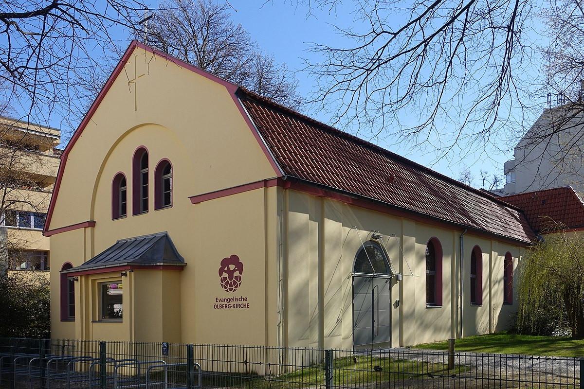 Maniküre Berlin Kreuzberg  Ölbergkirche Kreuzberg –