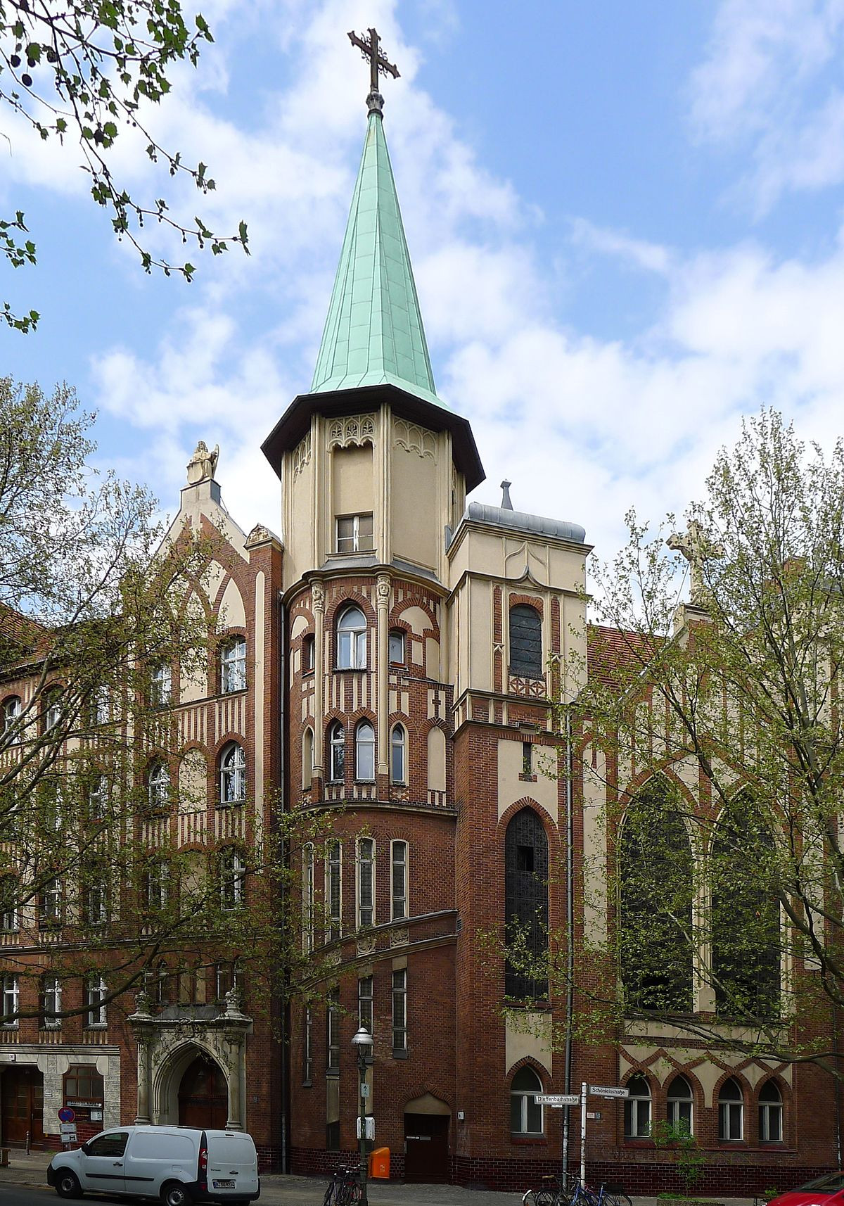 Maniküre Berlin Kreuzberg  Evangelisch methodistische Christus Kirche Berlin
