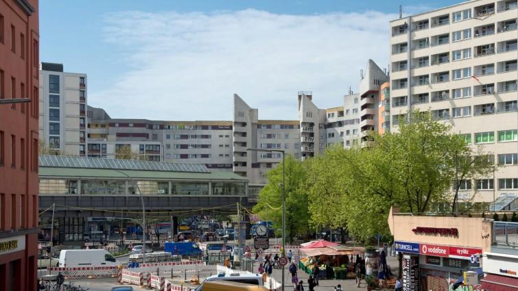 Maniküre Berlin Kreuzberg  Kottbusser Tor in Berlin Kreuzberg Anwohner wehren sich
