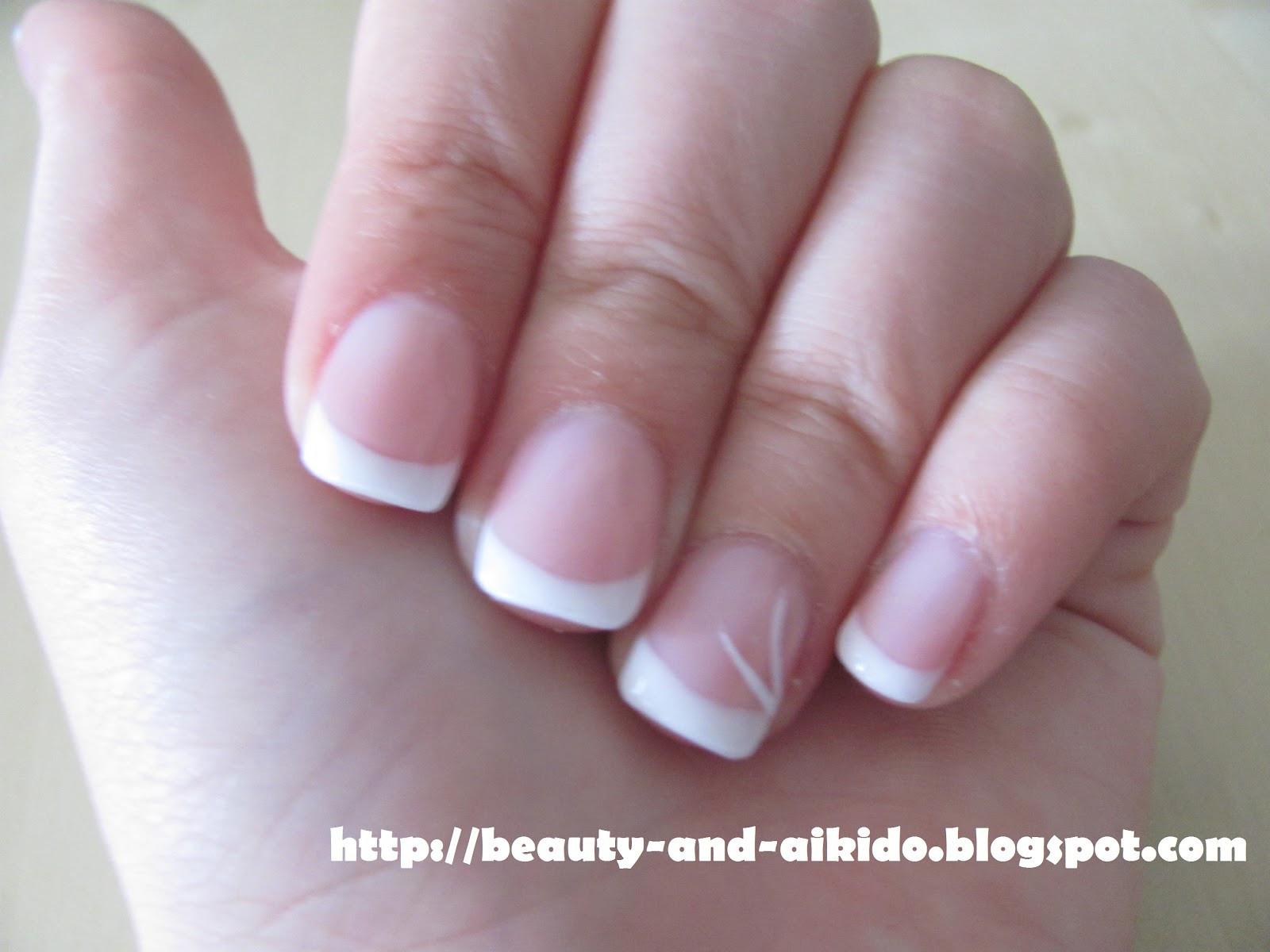 Maniküre French  Gel French Manicure BJ31 Regardsdefemmes