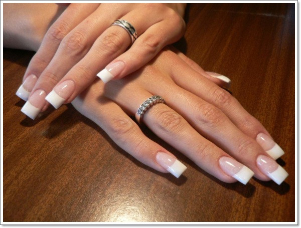 Maniküre French  22 Awesome French Tip Nail Designs