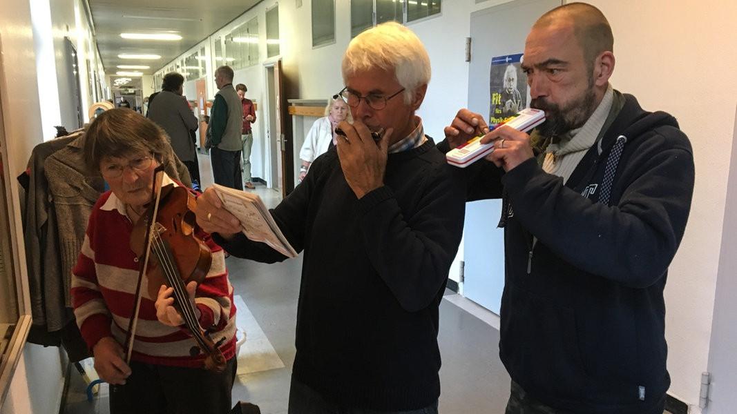 """Maniküre Kiel  Kiel König für einen Tag am """"Wohlfühlmorgen"""""""