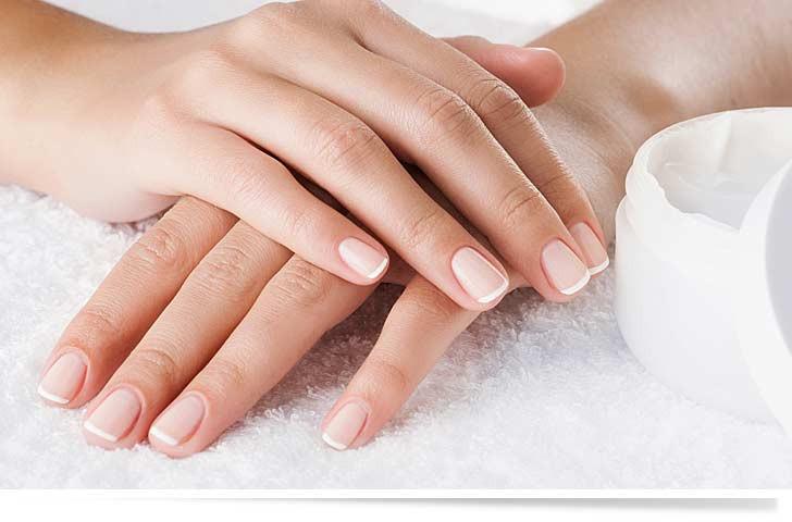 Maniküre Natürlich  Maniküre Die perfekte Pflege für Fingernägel und Hände