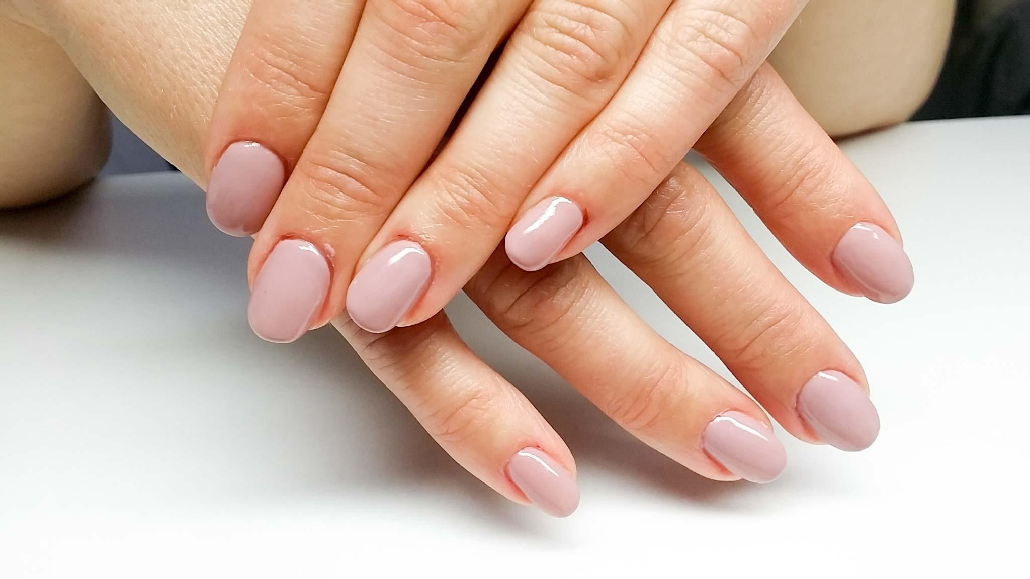 Maniküre Natürlich  ST Nails Nagelstudio I Maniküre Nageldesign Paraffinbad