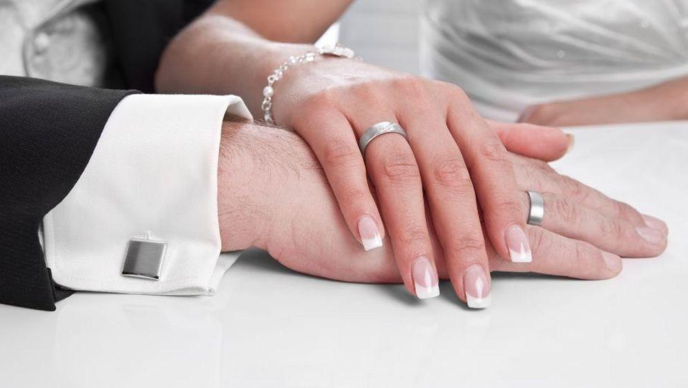 Maniküre Natürlich  Maniküre Pflicht für jede Braut
