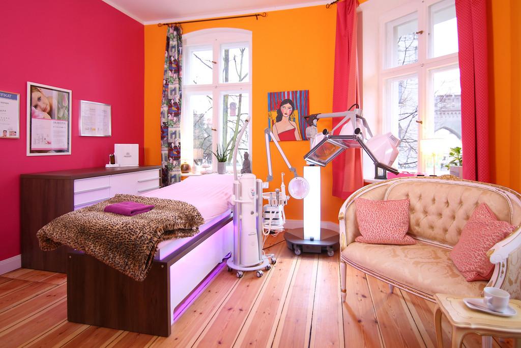 Maniküre Potsdam  Wohlfühl Salon Potsdam Kosmetik Maniküre Handpflege
