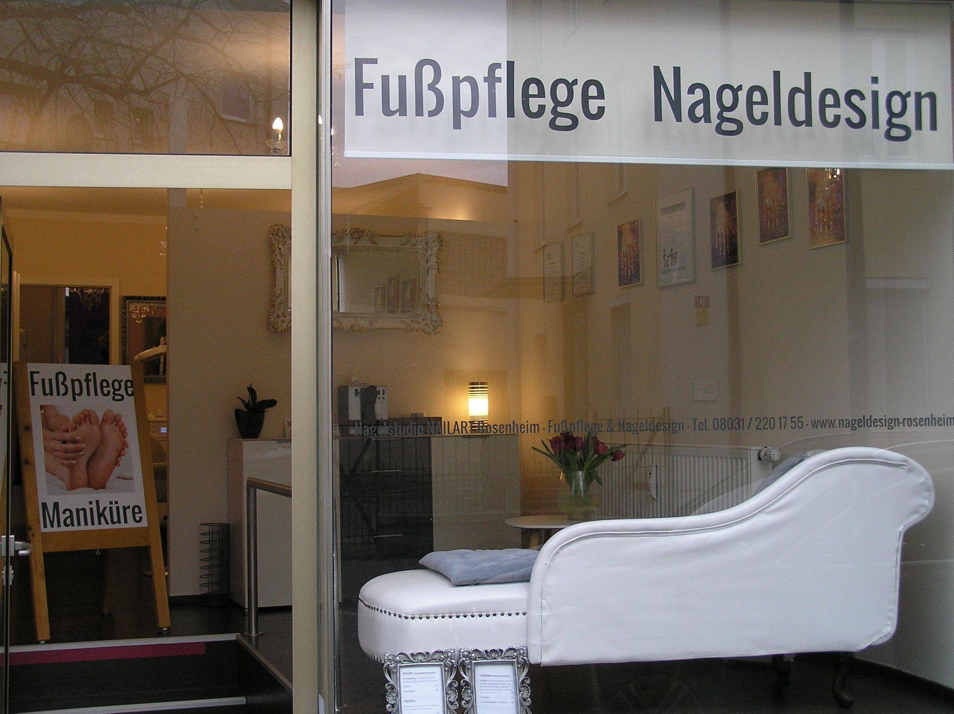 Maniküre Rosenheim  Nagelstudio NAILART Rosenheim Fusspflege & Nageldesign