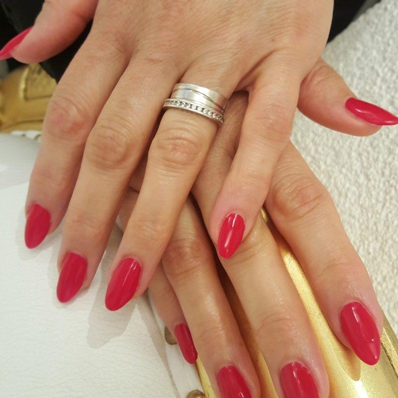 Maniküre Selber Machen Nagelhaut  Rote Gelnägel selber machen – Anleitung für schöne Maniküre